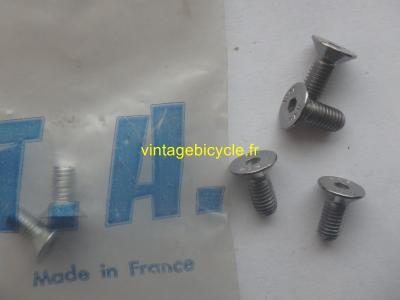 SPECIALITES TA 4 Pedal screw. NOS