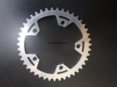 CAMPAGNOLO Victory Triomphe  43t 116mm. NOS