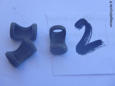 CABLE GUIDE Braze-On Slotted Steel (set of 3) for 6mm housing cable