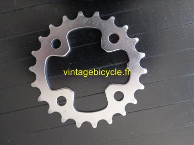 SHIMANO Chainring steel 22t 64mm