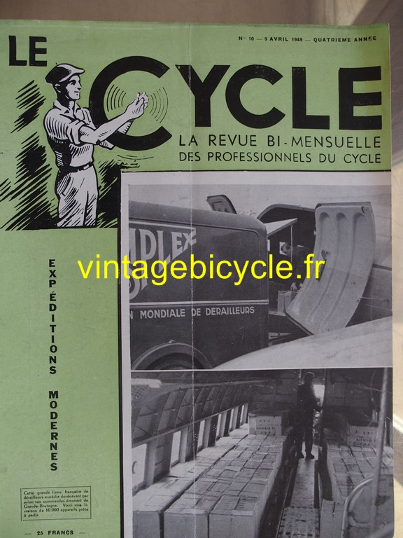 Vintage bicycle le cycle 69 copier