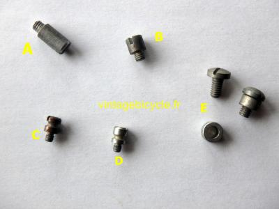 CHAIN STOP GUIDE SCREW/SPACER NOS