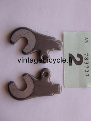 FORGED STEEL FRONT FORK DROPOUTS WITH EYE (pair)